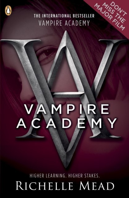 Vampire Academy (book 1) by Richelle Mead
